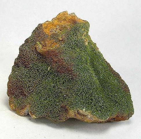 Зеленые кристаллы пироморфита