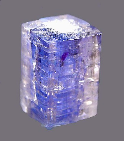 Идиоморфный кристалл карлетонита