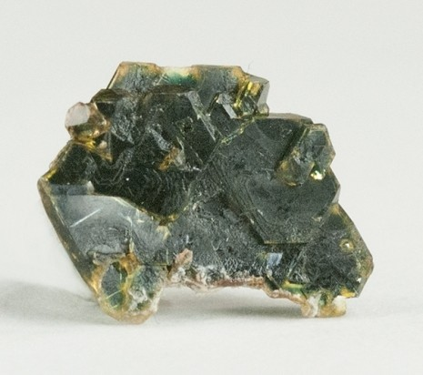 кристаллы айоваита